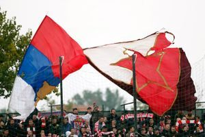 Kako je izgledao susret Zvezdinih fudbalera sa navijačima posle poraza u Surdulici?