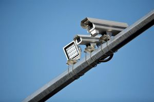 Snimile ih saobraćajne kamere – moraju da plate i po 2 miliona