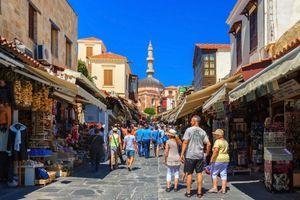 Omiljene destinacije srpskih turista ostaju otvorene – za neke ima restrikcija