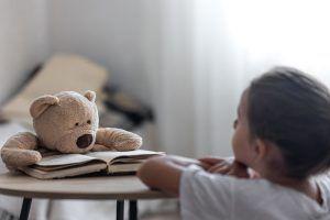 Znaki disleksije pri otrocih: kaj morajo vedeti starši