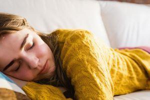 To se zgodi z vašim telesom, če si pogosto privoščite popoldansko spanje