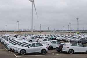 Takšna je trenutna situacija na trgu novih vozil v Evropi in Sloveniji - kriza se še poglablja