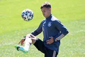 EM 2021: Joshua Kimmich als Rechtsverteidiger - der riskante Plan des DFB-Teams