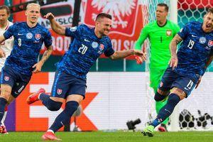 EM 2021: Polens Keeper mit historischem Eigentor – Slowakei feiert Auftaktsieg