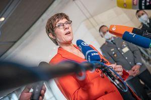 Litauen: Annegret Kramp-Karrenbauer verspricht Aufklärung nach Soldaten-Party