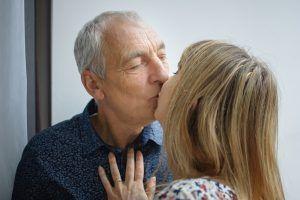 Máte po svém boku staršího partnera? Měli byste, dle odborníků je to klíč k úspěšnému vztahu