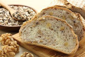 Hleb sa orasima