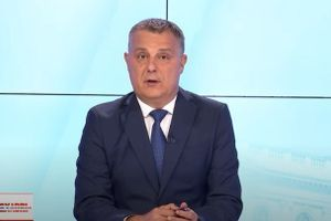 """""""Vučić zakon povukao zbog izbora, Vulin priča o krvi"""" (VIDEO)"""