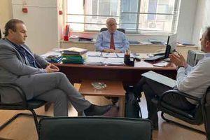 Η μείωση της υψηλής τιμής των εργατικών κατοικιών στη Φλώρινα στο επίκεντρο συνάντησης του Γ. Αντωνιάδη στο Υπουργείο Εργασίας
