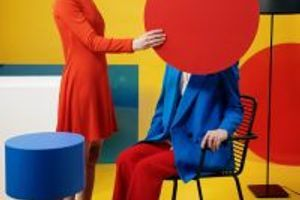 Stopa troch extrémne silných farieb na vašom outfite