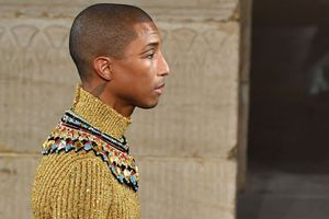 Pharrell Williams divinità egizia per Chanel