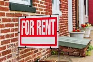 Собственици вдигат наемите с до 70%