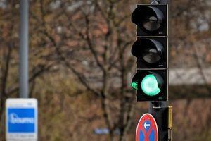 OCINKARIO GA! Kažnjen zbog prolaska na crveno – prijavio ga drugi vozač