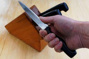 Zvijača za brušenje noža, ki jo je dobro poznati