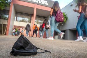 V kar 386 vrtcih in šolah izvajajo spremenjen potek pouka zaradi okužb s koronavirusom