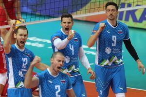 Kakšen uspeh! Slovenski odbojkarji premagali svetovne prvake in se uvrstili v finale evropskega prvenstva!