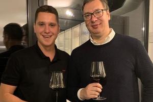 """""""U inat svima, voli te tata!"""": Vučić objavio fotografiju sa sinom Danilom i poslao SNAŽNU PORUKU (FOTO)"""