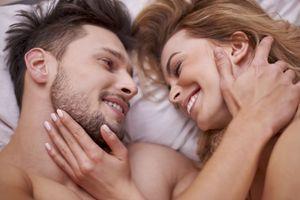 PRLJAVA tajna: 20 godina od supruge krijem šta ja radim SVAKI put kad ona zaspi, i dok sam na poslu