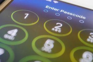 Vlasnici iPhone LUDE od ovog trika: Otključava telefone za par sekundi (VIDEO)