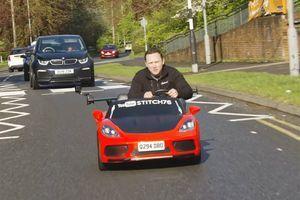 """""""Igračka"""" s tablicama: Upoznajte automobil za kojim se okreće ceo grad (VIDEO)"""