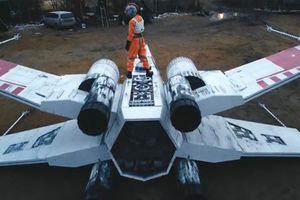 """Kultni X-Wing osvanuo u Sibiru! Fanovima """"Zvezdanih ratova"""" trebalo TRI meseca da ispune snove (VIDEO)"""
