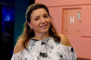 Ljudi je kritikovali zbog golotinje, a nju baš briga - Mirjana Karanović ponovo dominira na nudističkoj plaži