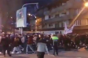 Protest protiv restriktivnih mera u Bukureštu: Oko 1.000 ljudi se usprotivilo uvođenju policijskog časa