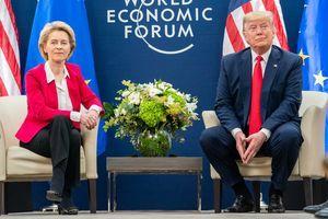 Zastanite i pogledajte stil predsednice Evropske komisije: Ursula je DVA PUTA ušla u istoriju  i pomogla svim ženama koje žele da se  BAVE POLITIKOM