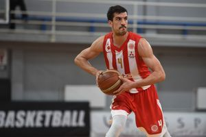 PORUKA SAMO ZA MILA ĐUKANOVIĆA! Bivši košarkaš Crvene zvezde JEDNOM REČJU isprozivao predsednika Crne Gore!