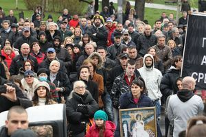 Vi izbockani MRŠBRE, pisala je žena u Srbiji - ali njen poslednji status o mužu je tiha tuga