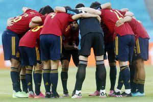 (UŽIVO) ŠPANIJA - POLJSKA Crvena furija strepi i od novog kiksa, i od strašnog Levandovskog, ali i od svojih navijača!