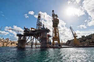 """SPLASNULE NADE ZA STABILNOST Neočekivani rast zaliha nafte u SAD """"udario"""" na cene"""