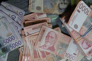 Dinar sutra stiže do novog rekorda, kurs 117,4946