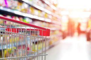 Nema prozora ni sata, a ni pločice nisu tu bez razloga: Da li ste se ikada zapitali zašto supermarketi baš tako izgledaju?