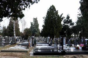 Ožalila sebe za života: Marija je sama sebi podigla spomenik, a tužan natpis na njemu širi se internetom