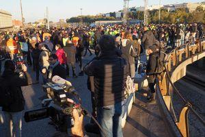 """""""TRAŽIMO DELA NE BRBLJANJE"""" Protest italijanskih sindikata protiv neofašističkih grupa: Vreme je da država pokaže svoju demokratsku snagu u sprovođenju zakona i ustava"""