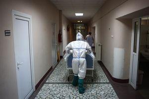 ZARAŽENO 29 OSOBA Preminuo stariji muškarac, bio pozitivan na korona virus