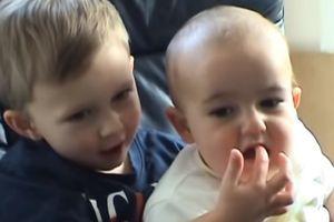 Video dvojice dečaka pregledan je MILIJARDU PUTA na Jutjubu: Danas izgleda potpuno drugačije, sa mnogo novca u džepu