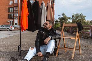 NOIZZ chair: Saša Đurić o tome kako sa malo novca izgledati odlično