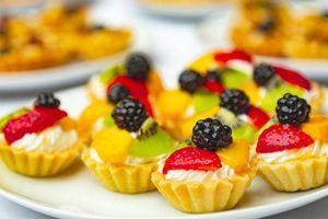 Recept za mini korpice sa voćem - ukusna i dekorativna poslastica