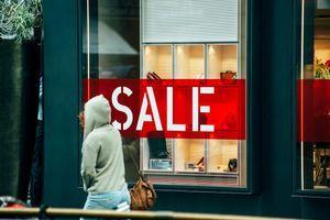 KREĆU NEOČEKIVANE RASPRODAJE U AUSTRIJI Više od 50 miliona komada odeće i obuće čami u skladištima