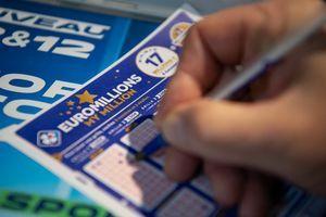 BIĆE BOGATIJI OD ADEL Izvučen džek pot evropske lutrije rekordne vrednosti: Srećnom dobitniku 220 MILIONA EVRA