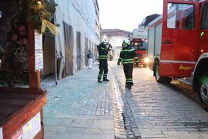 Iz zgrade koja je nakon zemljotresa proglašena neupotrebljivom, nedelju dana KRAO NAMEŠTAJ I KUĆNE APARATE