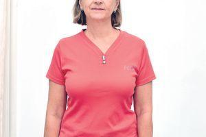 Jasna je nastavnica iz Beograda i poželela je da se za 35 godina braka TRANSFORMIŠE: Pogledajte kako je ZABLISTALA
