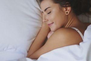 NE ZNATE KAKO DA SE PROBUDITE BEZ BOLOVA? Stručnjaci kažu da je do poze u kojoj spavate, i predlažu jednu koja može da pomogne