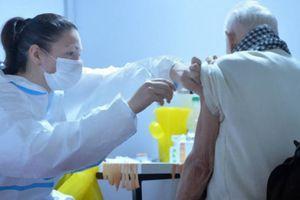 Haos na mrežama zbog ponude agencija - Turci plaćaju 800 evra da se vakcinišu u Srbiju