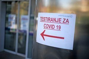 Včeraj potrdili 1308 okužb, v intenzivni terapiji 100 bolnikov