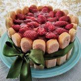 Σαρλότ λεμονιού με φράουλες