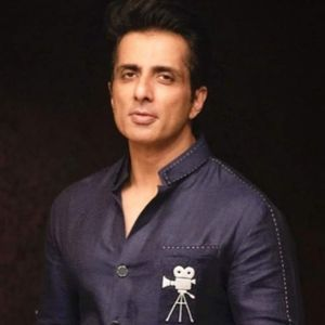 Sonu Sood airlifts 177 girls stuck in Kerala