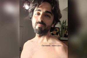 Ayushmann goes shirtless; flaunts his physique